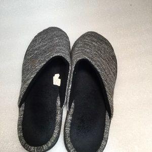 Isotoner Slippers Size 8.5/9
